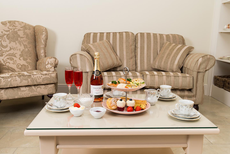 Abhainn Ri, Afternoon Tea & Champagne