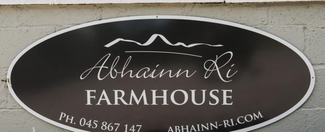 Abhainn Ri Farmhouse Sign