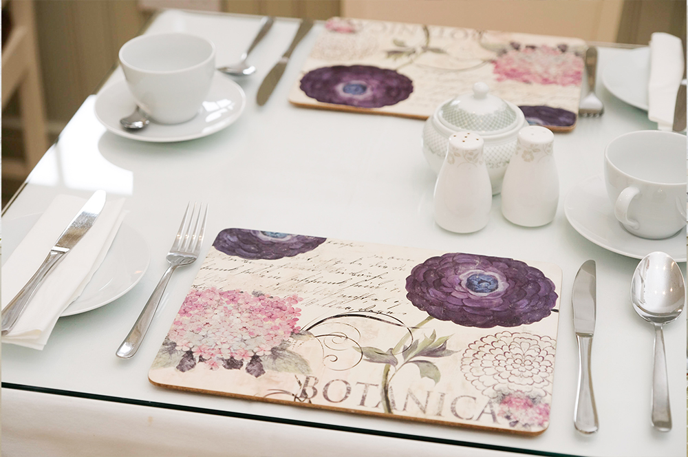 Kitchen table at Abhainn Ri